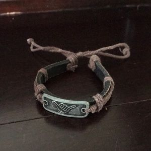 Jewelry - Hang loose bracelet